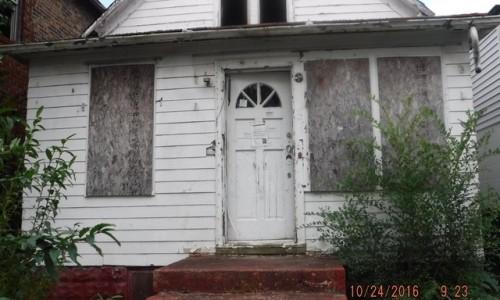 2568 Jefferson St, Gary, IN 46407