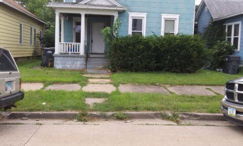 227 N 5th Ave, Clinton, IA 52732