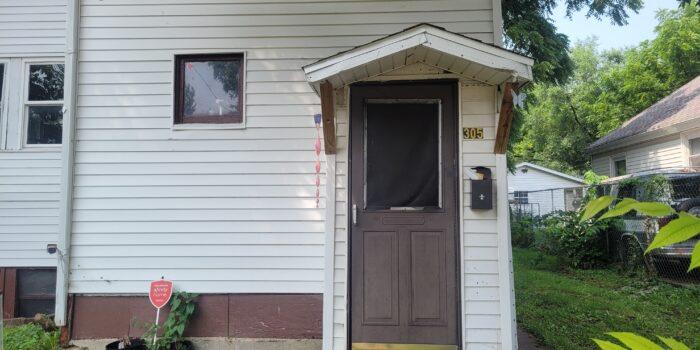 305 E Maywood Ave. Peoria IL 61603
