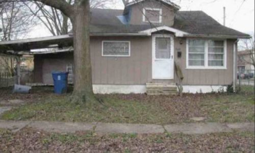 909 Fairland Street, Benton, IL 62812