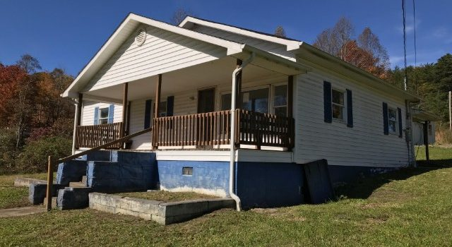 47 Kenny Phillips Rd., Eolia, KY 40826