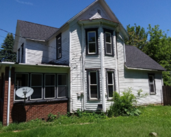 1217 S Carroll, Freeport, Illinois 61032