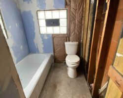 435 Maplewood Ave, Struthers, OH 44471